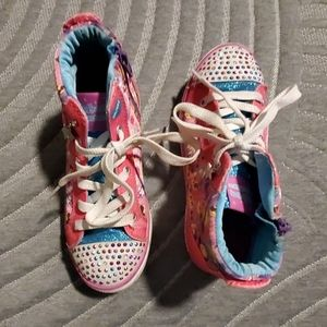 Used girl sneakers